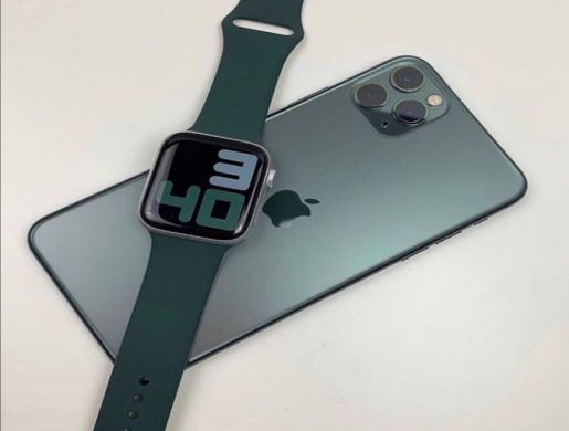 iPhone 11 Pro Max + Apple Watch Series 5 40mm, Nairobi -  Kenya