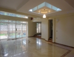 Spacious 5 Bedroom Townhouse With Pool